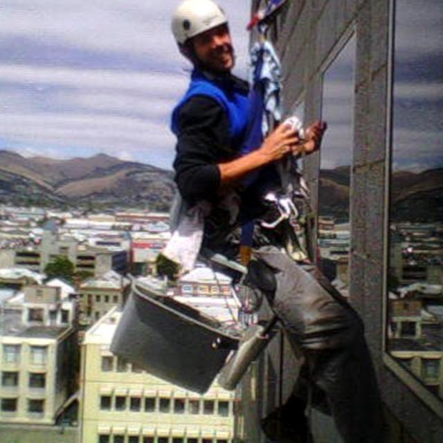 Mytí oken výškových budov - RAPEL.CZ