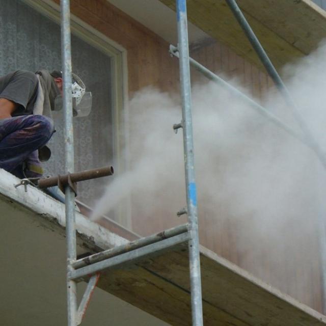 Rekonstrukce balkónů Jablonec nad Nisou - RAPEL.CZ