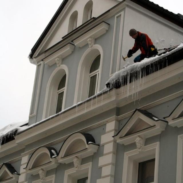 Shoz rampouchů ze střech - RAPEL.CZ